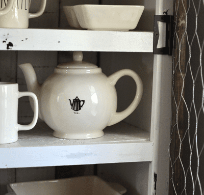 DIY Farmhouse Style Pie Safe – From Dresser to Pie Safe