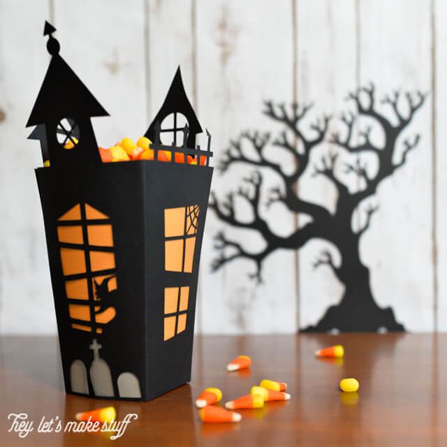 15 Free Halloween Cut Files for Cricut and Silhouette machines.