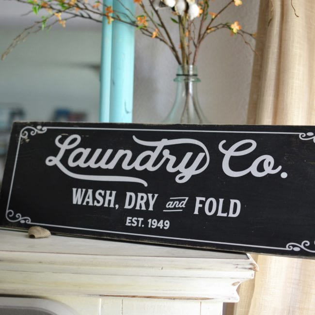 Fonts used for Magnolia inspired Laundry Sign.