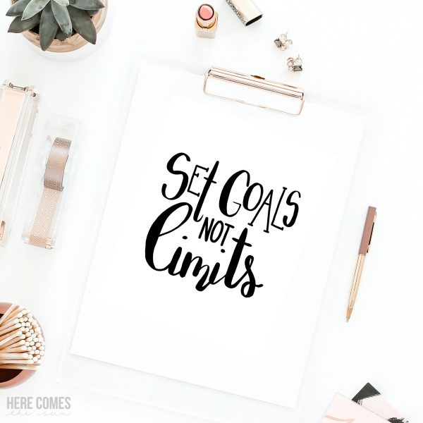 15 Free Inspiring Cut Files for the New Year for Silhouette or Cricut Machines Poofycheeks.com